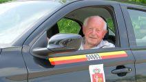 Poznajcie Pana Wacława. Najstarszego taksówkarza w Polsce