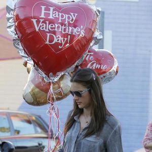 Walentynki - prezent. Co kupić na 14 lutego ukochanej osobie? Sprawdź muzyczne inspiracje!