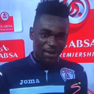 Piłkarz zaliczył wielką wpadkę! 'Pozdrawiam swoją żonę i dziewczynę' [VIDEO]