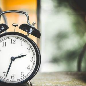 Zmiana czasu 2016 - kiedy przestawiamy zegarki z czasu letniego na zimowy?
