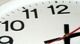 ZMIANA CZASU - kiedy zmieniamy czas na letni i zimowy? Przestawianie zegarków jest proste z ESKA.pl