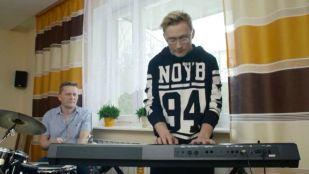 Disco Star 2017 - piąta edycja talent show Polo tv - kulisy - Grzegorz Neon Korzeniewski. Obejrzyj online!