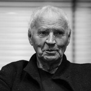 Janusz Głowacki - 5 filmów, z których go znasz, a o tym nie wiesz