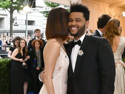 Selena Gomez i The Weeknd na gali MET 2017