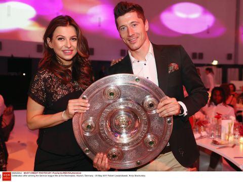 Robert Lewandowski i Anna Lewandowska na imprezie Bayernu