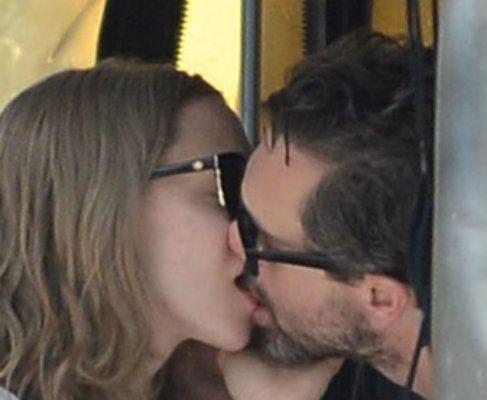 Zdjęcie z artykułu: Amanda Seyfried: erotyczne zdjęcia gwiazdy w serwisie dla dorosłych! Kolejna ofiara hakera?