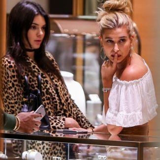 Hailey Baldwin, Kylie Jenner i Kendall Jenner