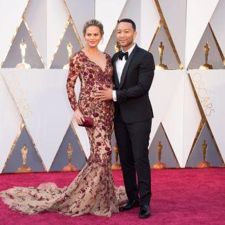 Oscary 2016: zdjęcia; John Legend i Chrissy Teigen