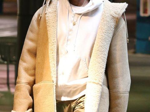 Kanye West i jego pstrokate kolory włosów