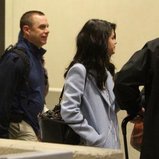 Selena Gomez na lotnisku