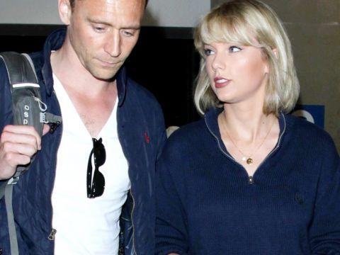 Taylor Swift i Tom Hiddleston na lotnisku w Los Angeles