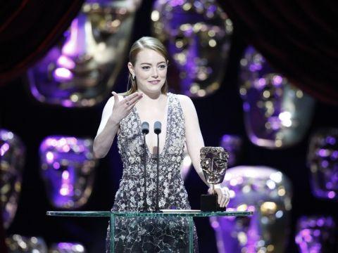 Emma Stone odbiera nagrodę za La La Land