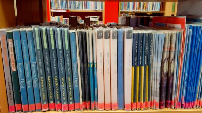 Zdjęcie z artykułu: Wolontariusze częstowali książką [WIDEO]