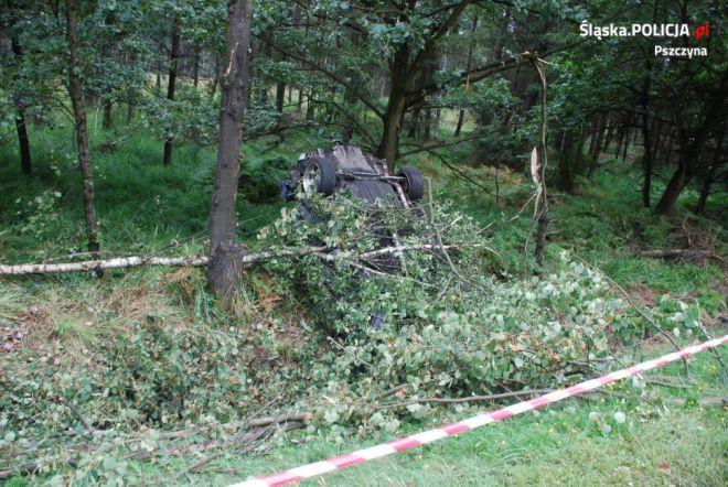 Zdjęcie z artykułu: Kobiór: Dwie osoby zginęły w wypadku na krajowej jedynce