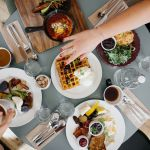 Co i gdzie  zjeść w Łodzi? SPRAWDŹ top restauracji, pizzerii, food trucków, lokali wege, lodziarni