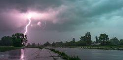 Nad Poznań nadciągają ulewy i burze