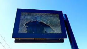 Młodzi wandale zniszczyli tablicę informacyjną w Fordonie! Straty wyceniono na 4 tys. zł [ZDJĘCIA]