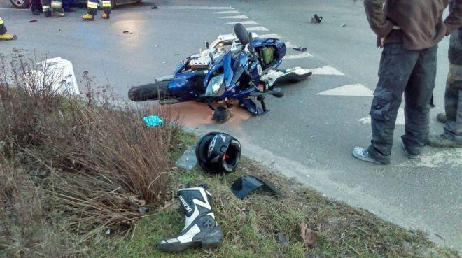 c280b1c7b025e Zdjęcie z artykułu: Poważny wypadek na Cmentarnej w Bydgoszczy.  Motocyklista aż zgubił buty [