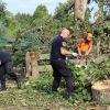 Gdynia dorzuca się do zbiórki na poszkodowanych przez nawałnicę. Pomagają też marszałek i gdańska Straż Miejska