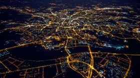 Wrocław poprzetykany świetlistymi szlakami [ZDJĘCIE]