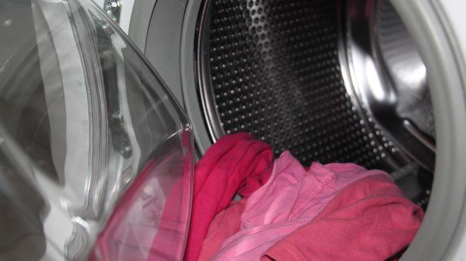 Nie żyje 3-letnie dziecko, które zatrzasnęło się w pralce