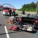 Poważny wypadek na S3 koło Międzyrzecza. Dachowało subaru. Małżeństwo w szpitalu