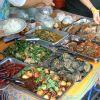 Tajskie, Meksykańskie, Polskie, Niemieckie i Chińskie. Kuchnie świata na wyciągnięcie ręki. Nocny Market w Warszawie.