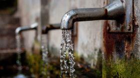 Nie można pić wody ze źródełka nad Maltą! Sanepid odkrył w niej bakterie z grupy coli!