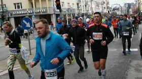 Biegowe święto w Gdyni. Na ulicach prawie sześć tysięcy biegaczy