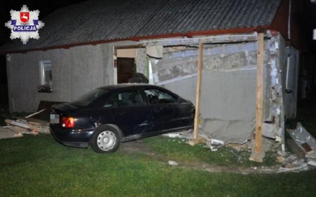 Pędził tak, że przebił ścianę domu