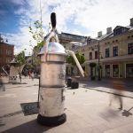 Pralka frania, stary czajnik, młynek w centrum Łodzi. Ten materiał jednego z vlogerów jest hitem sieci [WIDEO]