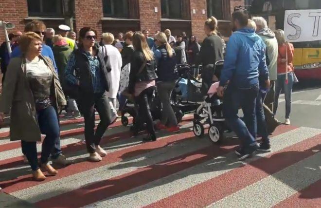 Zdjęcie z artykułu: Pracownicy MOPS w Łodzi będą blokować ruch na Kościuszki. Spodziewajcie się utrudnień