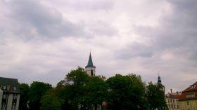 Mroczne chmury nad miastem [ZDJĘCIE DNIA]