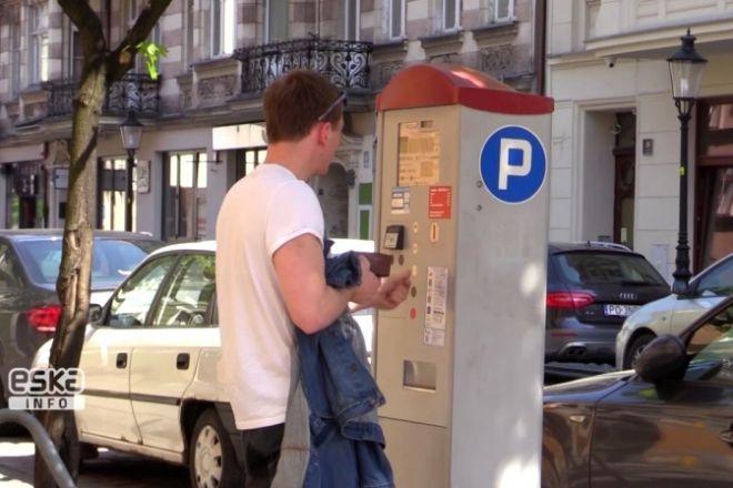 Zdjęcie z artykułu: Kolejne ulice w centrum Poznania będą miały płatne miejsca parkingowe [WIDEO]