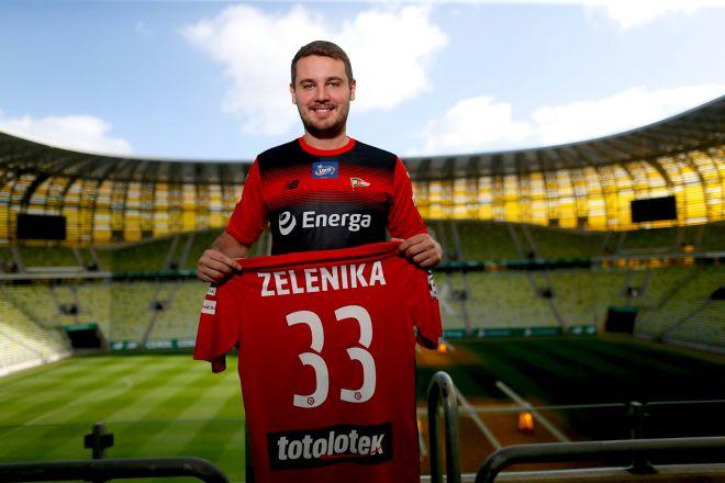 Zdjęcie z artykułu: Lechia pozyskała nowego zawodnika przed meczem z Legią! Sprzedano już 23 tysiące biletów