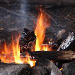 Tragedia pod Opocznem: W rozpalonym ognisku znaleziono zwęglone ciało kobiety