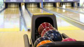 Warszawski bowling. 8 miejsc, gdzie zagrasz w kręgle [GALERIA]
