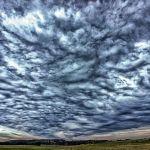 Niebo nad lotniskiem w Balicach [ZDJĘCIE DNIA]