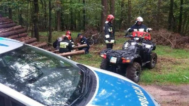 Zdjęcie z artykułu: Mężczyzna zgubił się w lesie. Po pomoc zadzwonił na numer alarmowy