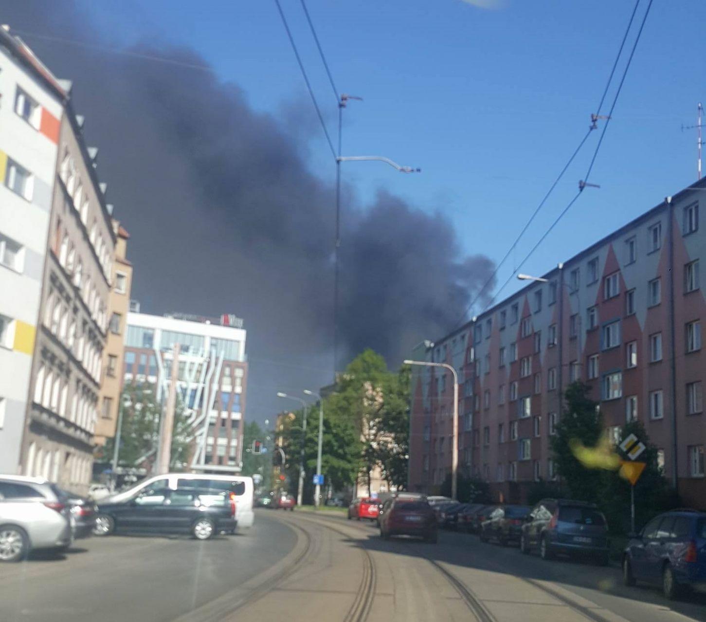 Kłęby dymu pojawiły się na południu Wrocławia