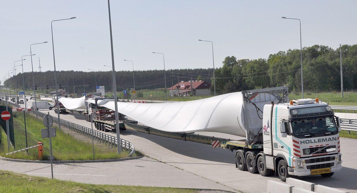 Gigantyczny transport w Korczowej