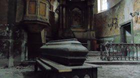 Eksploratorzy z Katowic trafili do opuszczonego kościoła. Można dostać dreszczy [ZDJĘCIA]