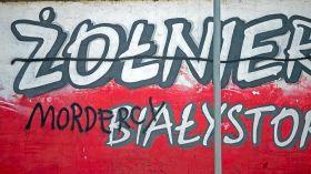 Białystok: Patriotyczny mural znów zniszczony. Wandali szuka policja