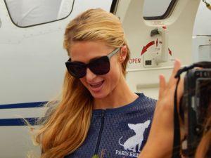 b61c603ff3 Paris Hilton w Rzgowie  ZDJĘCIA   Międzynarodowe Targi Mody w Ptaku ...