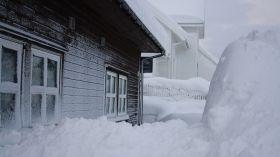 Do Małopolski nadciągają zawieje i zamiecie śnieżne! [OSTRZEŻENIE]