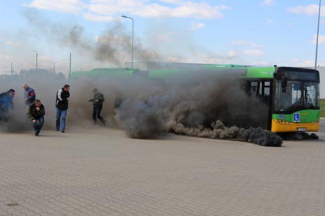 Zdjęcie z artykułu: Terrorysta w autobusie albo tramwaju? Pracownicy MPK będą wiedzieć, co robić [NOWA TV 24 GODZINY WIDEO]