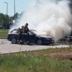 Kłęby dymu na Armii Krajowej w Rzeszowie: Zapalił się samochód [ZDJĘCIA, WIDEO]