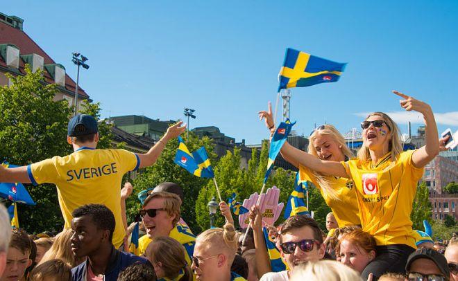 Zdjęcie z artykułu: Szwedzi przejdą przez Lublin! Barwny przemarsz kibiców zza granicy