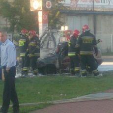 Na stacji benzynowej na ul. Milczańskiej spłonął samochód! [ZDJĘCIA]