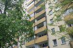 Przerażające odkrycie w Krakowie: Padłe gołębie i metrowa warstwa ptasich odchodów na balkonie [AUDIO, ZDJĘCIA]